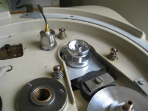 Thorens TD-124 with spring decoupling
